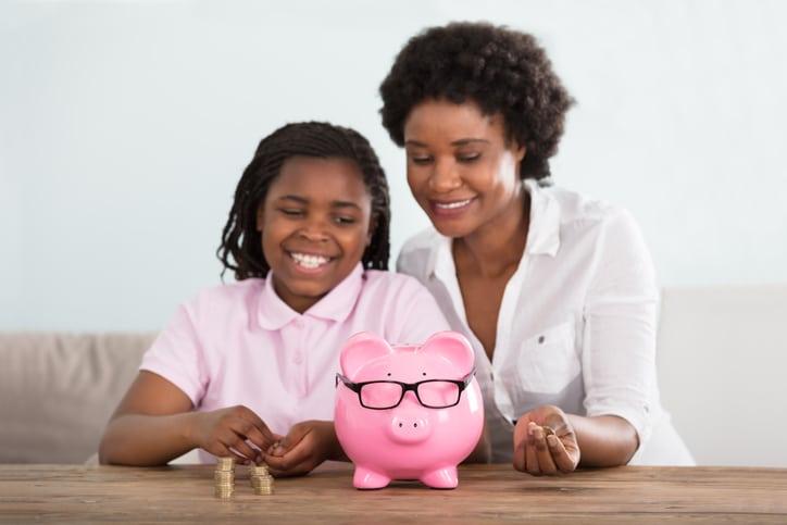 Qual é a idade ideal para conversar sobre finanças com o filho?